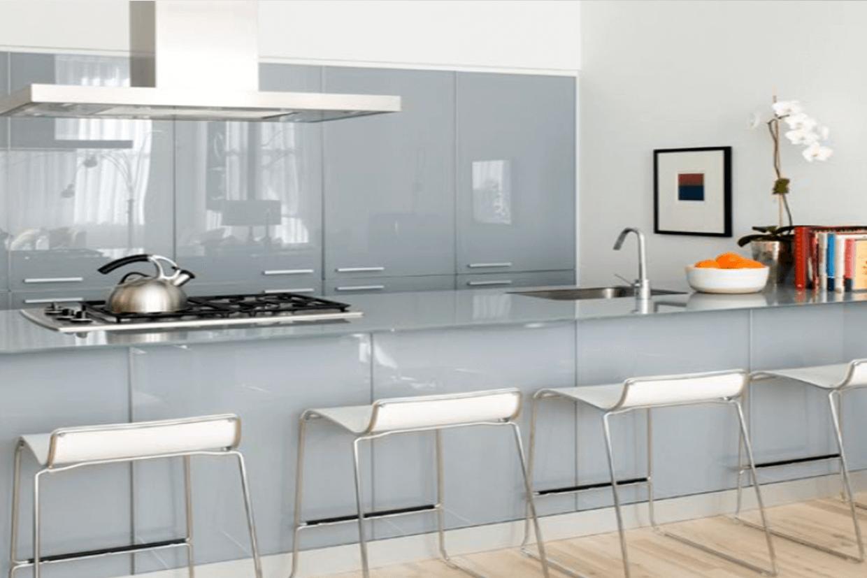 Πώς να χρησιμοποιήσετε το γυαλί για να φωτίσετε το σπίτι σας